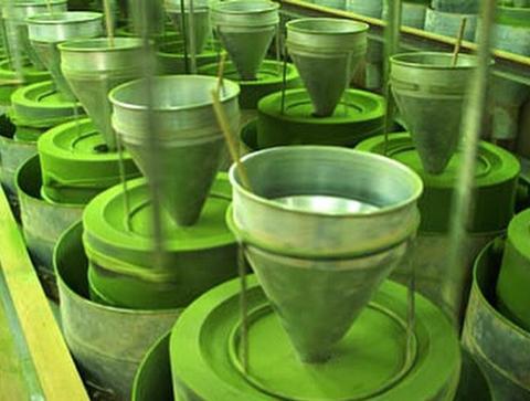 Mielenie zielonej herbaty matcha